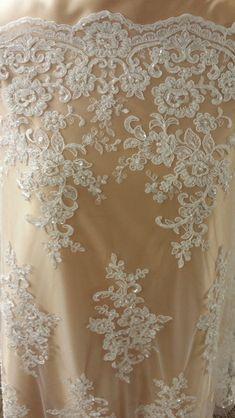 Spitze - Creme Spitze mit Perlen, Ivory Hochzeit Spitze  - ein Designerstück von Lace-to-love bei DaWanda