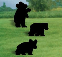Bear Cubs Shadow Woodcrafting Pattern You can catch everybodies attention with these cute bear cub shadows in your yard. #diy #woodcraftpatterns