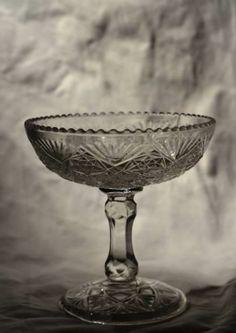 Pressglass sukkerskål Brand fra Høvik, Stemplet - Selges av reliving fra Strømmen på QXL.no Champagne, Tableware, Kunst, Dinnerware, Tablewares, Dishes, Place Settings
