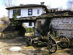 Village of Bozhentzi, Bulgaria Orient House, Abandoned Farm Houses, Visit Venice, Rustic Gardens, Miniature Houses, Large Homes, Bird Houses, Interior Architecture, Beautiful Places