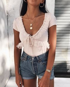 Birthday outfit for teens spring classy 54 ideas Source by outfits for teens spring Casual Summer Outfits, Girly Outfits, Outfits For Teens, Spring Outfits, Trendy Outfits, Cool Outfits, Drinks Outfits, Hipster Outfits, Spring Dresses