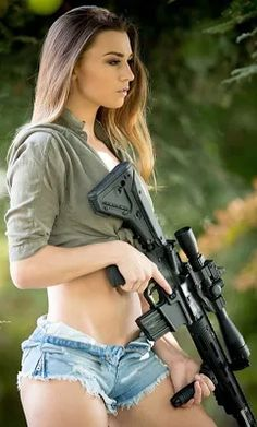 Here you find very hot and dangerous Women & Guns, Military Girls, IDF Roses. Military Women, Military Army, Army Pics, Outdoor Girls, Military Photos, Sexy Hot Girls, Girl Humor, Girl Photos, Bikini Girls