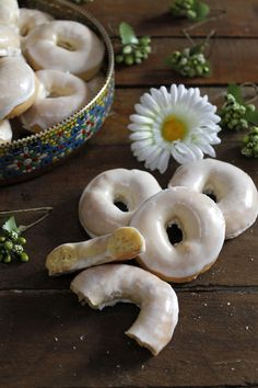 CAKES para ti: ROSQUILLAS DE SANTA CLARA Donut Recipes, Top Recipes, Cooking Recipes, Santa Clara, Food N, Food And Drink, Spanish Desserts, Biscuits, Food Gallery