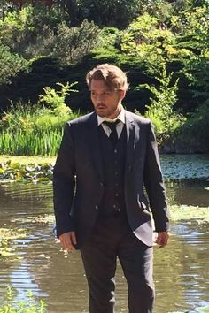 Frist image off johnny depp in a New movie making.