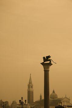 Venecia by Tomas Canizares