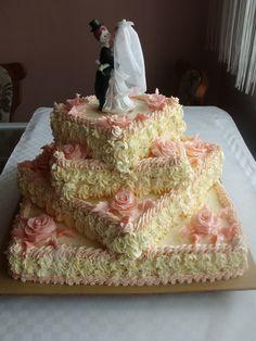 Dort krémový ♥ svatební - zdobený marcipánovými růžičkami