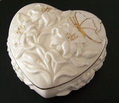 Lenox Heart Shaped Keepsake Trinket Box With Lid Gold Trim Valentine Wedding GUC  #Lenox #Heart #trinket #wedding #anniversary #gift #love