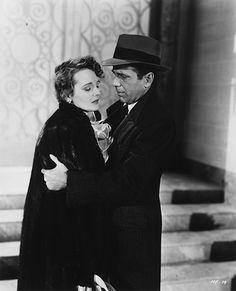 """Will you make it alright or should I carry you?"" #TheMalteseFalcon #HumphreyBogart #SamSpade #MaryAstor #TheBestOfBogartCollection"
