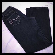 "✨NINE WEST jeans Nine West women's jeans.  75% cotton, 23% polyester, 2% spandex.  Inseam measures 31"".  Very good condition. Nine West Jeans"