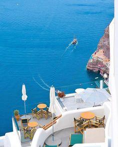 Santorini Greece by @giannis_tsakos  #the_daily_traveller  www.dailytraveller.gr  Follow me on @vsiras & @bestgreekhotels  #santorini #greece #ig_greece #instagreece #instalifo #wu_greece #athensvoice #travel_greece #visitgreece #team_greece #gf_greece #igers_greece #greecestagram #life_greece #loves_greece #igersgreece #insta_greece #greecelover_gr #ilovegreece #ae_greece #super_greece #great_captures_greece #reasonstovisitgreece #greecetravelgr1_ #welovegreece_ #kings_greece #roundphot0…