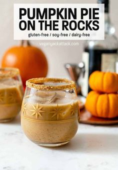 Looking for a Fall and Winter dessert cocktail? This recipe for Pumpkin Pie on the Rocks delivers! Not to sweet, creamy, spiced, and a bit warming, even over ice. Healthy Smoothies, Healthy Drinks, Smoothie Recipes, Drink Recipes, Pumpkin Pie Recipes, Fall Recipes, Holiday Recipes, Vegan Thanksgiving Dinner, Cocktail Desserts