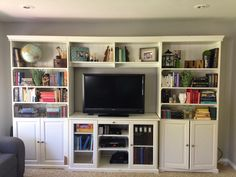 Bookshelf Makeover... WITH BOOKS! - How to organize a function book shelf that looks good.
