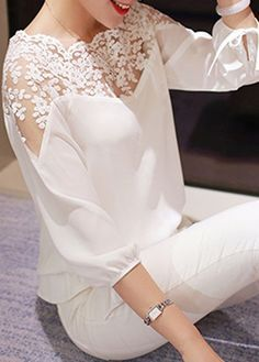 White Lace Splicing Elastic Waist Chiffon Blouse - Luxe Fashion New Trends Modest Fashion, Fashion Dresses, Fashion Blouses, Mode Simple, Mode Glamour, Mode Top, Mode Inspiration, Lace Tops, Lace Blouses