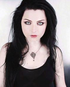 Ben Moody, Snow White Queen, Memes Arte, Bring Me To Life, Amy Lee Evanescence, Rock Queen, Goth Look, Goth Beauty, Alternative Music