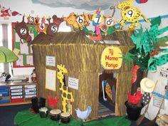 Look how fun reading corners can be! African Hut, African Theme, African Safari, Jungle Theme Classroom, Classroom Themes, School Displays, Classroom Displays, Book Corners, Reading Corners
