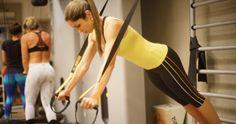 Aparelho suspenso que utiliza o peso do próprio corpo para realizar os exercícios, o TRX tem como uma de suas propostas, sair da atividade física convencional. Além de proporcionar uma grande ...