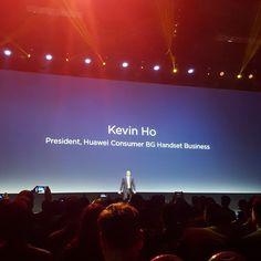 Kevin Ho con nuevos productos en teléfonos @huaweipanama #CES2016