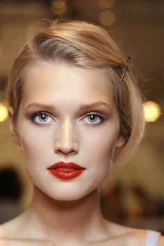 Beautiful red lips with simple makeup