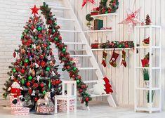 Новогодняя атрибутика, создающая в доме праздник   Colors.life Christmas Mini Sessions, Christmas Minis, Christmas Crafts, Christmas Stuff, Christmas Backdrops, New Background Images, Family Christmas Pictures, Beautiful Christmas Trees, Photo Tree