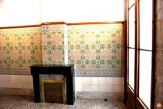 This area includes the bathroom, which originally had two baths and a black marble fireplace (the fireplace is still preserved), Palau Güell, Barcelona. Barcelona Tourism, Marble Fireplaces, Black Marble, Gaudi, Baths, Bathroom, Architecture, Building, Modern