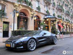 1 i Aston Martin One-77 1