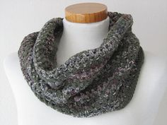 Cozy, warm cowl, perfect with your coat or with a sweater. In the pattern, the cowl is made with stripes, but you can just use your imagination, and give it as many or as few colours you like.
