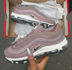 more photos dcfe6 c1cb3 Sneakers Fashion Outfits, Fashion Shoes, Sneaker Heels, Shoes Sneakers, Nike  Shoes,