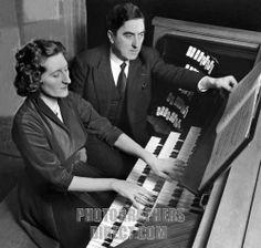 Organists Marie Madeleine Chevalier Durufle and her husband Maurice Duruflé  http://mauricedurufle.com/index.php/excerpts http://img3.photographersdirect.com/img/262/wm/pd1844936.jpg