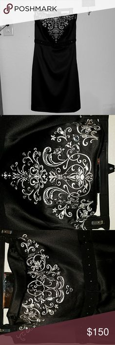 White House Black Market gown White House Black Market gown Like New in perfect condition worn only one time and dry cleaned size 10 asking $150 White House Black Market Dresses Prom