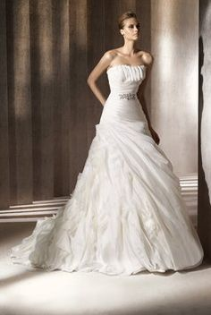 Pronovias Reduced An Extra $100 This Week Only! Wedding Dress. Pronovias Reduced An Extra $100 This Week Only! Wedding Dress on Tradesy Weddings (formerly Recycled Bride), the world's largest wedding marketplace. Price $423.00...Could You Get it For Less? Click Now to Find Out!