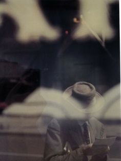 Saul Leiter was an American artist and early pioneer of color photography Saul Leiter, Robert Frank, Multiple Exposure, Double Exposure, Pittsburgh, Pennsylvania, New York School, Bioshock, Street Photographers