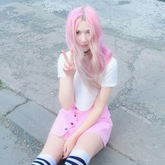 Kawaii Inspired Pink Outfit - By Kayla Hadlington - http://ninjacosmico.com/25-pastel-goth-looks-inspire/6/