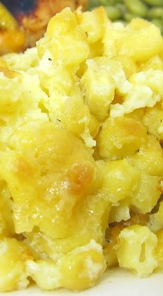 Corn Pudding Casserole Recipe _ Corn, heavy cream, sugar, butter, eggs - SO delicious. Great way to use up all your summer corn. Perfect for a crowd. You could make this a Southwestern Corn Pudding by adding a can of chopped green chiles & cumin! #Corn_Pudding
