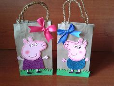 1 Year Old Birthday Party, Pig Birthday, Birthday Party Decorations, Diy Party Bags, Paper Party Bags, Party Ideas, Peppa E George, George Pig, Pig Party