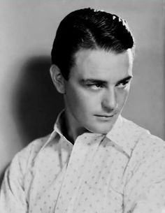Lew Ayres from All quiet on the Western front Hollywood Actor, Golden Age Of Hollywood, Hollywood Glamour, Classic Hollywood, Old Hollywood, Classic Movie Stars, Classic Movies, Nine Movie, Lew Ayres