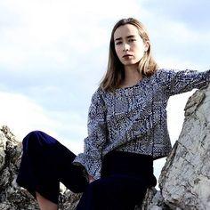 Blue monday💙 culotte terciopelo y top disponibles en la web www.tailorclothing.com 📷 @zzzblitch