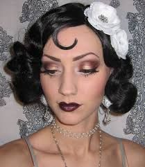 make up guide Glitter is my crack.: Flapper Makeup/Costume look Halloween Bash pictures make up glitter;make up brushes guide;make up samples; Great Gatsby Makeup, 1920 Makeup, Vintage Makeup, 1920s Inspired Makeup, Flapper Makeup, Eye Makeup, Hair Makeup, 1920s Makeup Gatsby, Clown Makeup