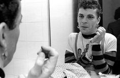 Chester Simpson: Ian Dury backstage in SF, CA 1978
