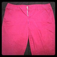 American Eagle Burgundy Skinny Pants Like new, worn a few times. Wine colored chino type pant. Skinny leg. American Eagle Outfitters Pants Straight Leg