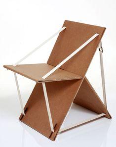 Você sabe o potencial de um material reciclável? Não? A arquiteta Roberta Faustini sabe. Motivada em descobrir o que fazer com uma caixa de papelão da televisão que havia comprado, ela transformou um material que seria jogado fora em uma prática cadeira portátil que foi exposta na Casa Cor 2010. A cadeira só ficou pronta …