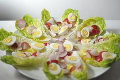 Een vrolijke variant op de klassieke caesar salade (o.a. zonder ansjovis). Lekker als bijgerecht, maar ook een prima snackje voor bij de borrel in het weekend [...]