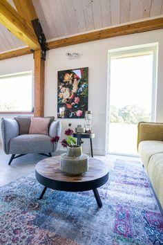 Trendhopper ● Niet alleen met accessoires, maar ook met wanddecoratie breng je kleur in je interieur.