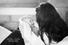 Mother and baby moments to capture. First year photography. Christina Bailitz Photography.