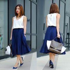 Chiffon pleated maxi-skirt.   Love this look. So simple, cute + chic.
