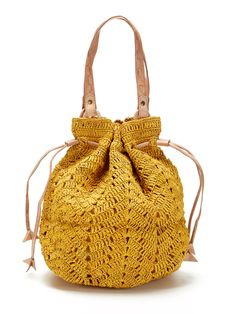 Mar Y Sol Marais Drawstring Bucket Tote Large bucket tote Crocheted raffia with two leather straps Drawstring top closure Cotton lining with one slip pocket Measurements: Body length height width strap drop Brand: Mar Y Sol Crochet Handbags, Crochet Purses, Crochet Bags, Crochet World, Diy Crochet, Macrame Bag, Mellow Yellow, Knitted Bags, Crochet Accessories
