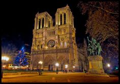 Travel: Notre Dame in the evening