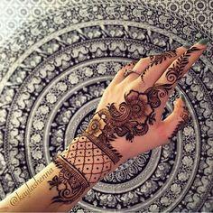 Wow eye touching henna Love it so much Like to put it Arabic Henna Designs, Mehndi Patterns, Wedding Mehndi Designs, Unique Mehndi Designs, Beautiful Henna Designs, Henna Tattoo Designs, Mehndi Designs For Hands, Henna Tatoos, Mehndi Tattoo