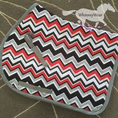 Red & black Chevron print english all purpose AP saddle pad by WhinneyWear… Horse Riding Tips, Horse Riding Clothes, My Horse, Horses, English Horse Tack, English Saddle, Tack Sets, Black Chevron, Saddle Pads