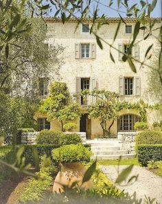 Bastide en Provence (France) Le rêve de tout le monde, je pense, avec le Soleil toujours en plus.