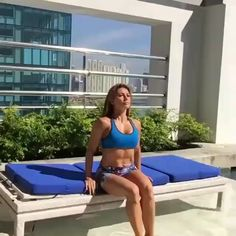 Plange push ups are a variation of standard rise that include bringing the elbows closer to the body when carrying out the workout. Discover how to do Plange rise with this exercise video. Fitness Workouts, Fun Workouts, At Home Workouts, Fitness Tips, Health Fitness, Video Sport, How To Get Abs, Training Motivation, Exercise Plans
